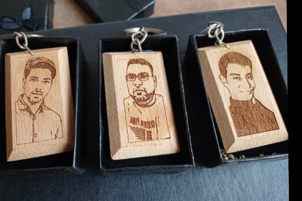 Customized picture keychain