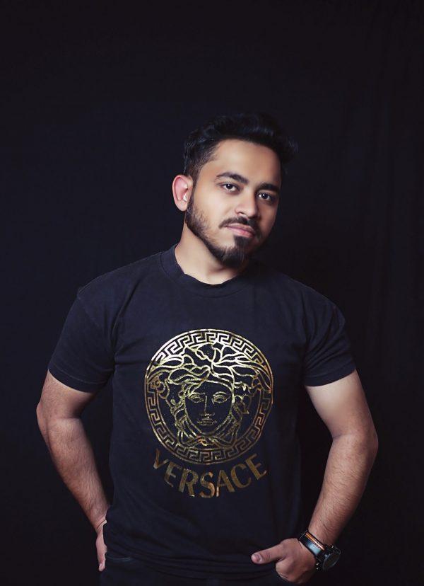 golden print t-shirt